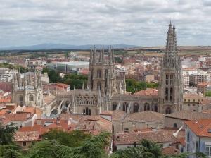 Burgos. Kathedraal vanaf het Castillo.